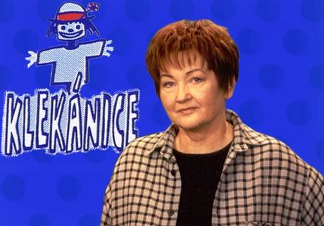 Novinářka Jana Lorencová v ostravském studiu České televize v pořadu Klekánice.