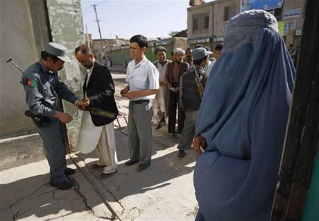 Volby provázejí přísná bezpečnostní opatření (20. srpna 2009)