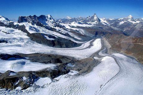 Díky tání ledovce je Švýcarsko větší a mění hranice