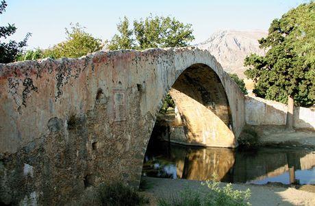 Řecko, Kréta. Starý most nedaleko kláštera Preveli