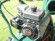Stroje Atco používají motory Kawasaki