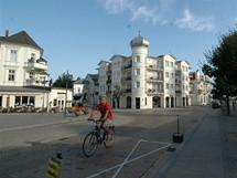 N�mecko, Usedom. P��mo�sk� architektura po��tku minul�ho stolet�, dnes jeden z velmi drah�ch hotel� v Ahlbecku