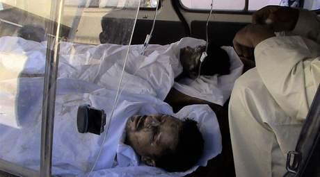 Afgánci popálení při výbuchu cisterny na severu země (4. září 2009)