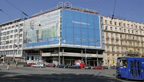 Budoucnost opuštěné budovy naproti hlavnímu nádraží v Brně je stále nejasná