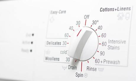 Citliv� pr�dlo perte jen na n�zk� teploty, pro vlnu volte speci�ln� program