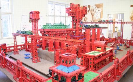 Stavebnice Merkur - Ocelové město