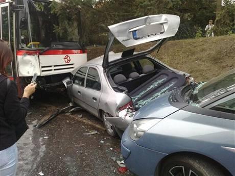 Nehoda autobusu číslo 124 v Podolí.