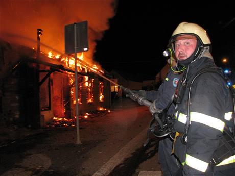Požár hospody v Netřebicích na Kaplicku