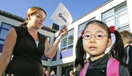 Začátek školního roku v mezinárodní škole International school of Brno. (1. září 2009)