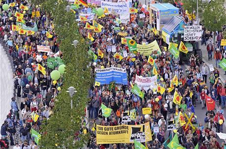 V Berlíně protestují desetitisíce odpůrců jaderné energie (5. září 2009)
