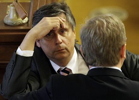 Premiér Jan Fischer na poslední schůzi Sněmovny (8. září 2009)