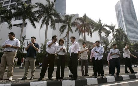 Zemětřesení vyhnalo z budov stovky lidí v metropoli Jakartě (2. září 2009)