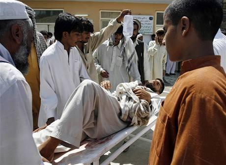 Výbuch v afghánském Materlamu si vyžádal desítky obětí (2. září 2009)