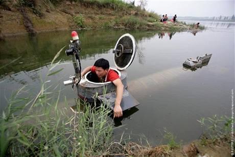 Domácí ponorka vynálezce Tao Xiangli