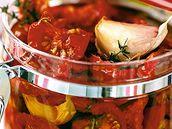 Předdušená rajčata v oleji