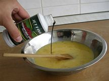 Smíchejte všechny tekuté ingredience