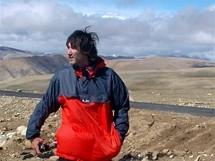 Expedice Sulovského postupuje Tibetem k Cho Oyu. Pavol Lupi Lupták a za ním Shisha Pangma