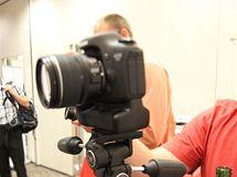 Snímek z digitální zrcadlovky Canon EOS 7D při ISO 6400