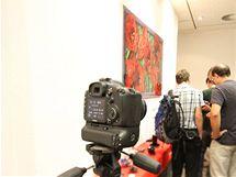 Snímek z digitální zrcadlovky Canonu EOS 7D při ISO 6400