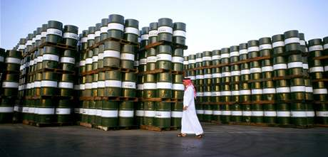 Saudská arábie a barely plné ropy