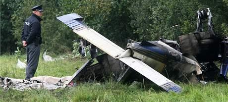 Poblíž Sobíňova na Havlíčkobrodsku spadlo malé motorové letadlo. (12. září 2009)
