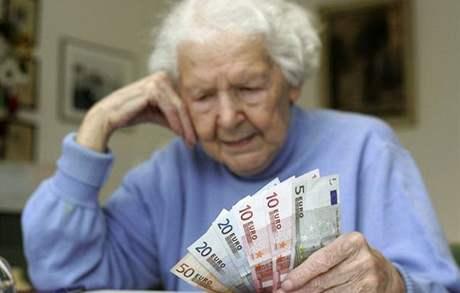 Peníze, důchodci, penze