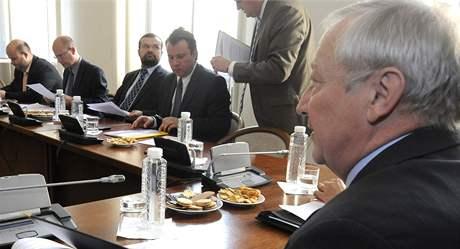 Zástupci parlamentních stran jednali s ministrem financí Eduardem Janotou o státním rozpočtu na rok 2010. (18.9.2009)