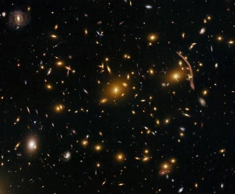 Čerstvé snímky, které ve vesmíru zachytil Hubbleův teleskop