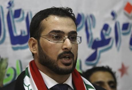 Irácký novinář Muntadar Zajdí, který hodil botami po Bushovi, vyšel z vězení (15. září 2009)