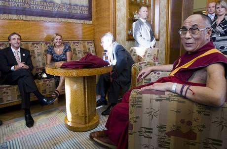 Nejvyšší tibetský duchovní vůdce se během své návštěvy setkal i s pražským primátorem Pavlem Bémem (10. 9. 2009)