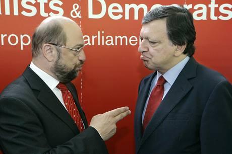 Předseda EK José Barroso s šéfem socialistů Martinem Schultzem (10.9.2009)