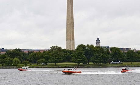 Americká pobřežní hlídka na řece Potomac (11.9.2009)