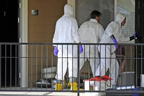 Federální agenti zkoumají byt Nadžibuláha Zaziho v Coloradu. (16. září 2009)