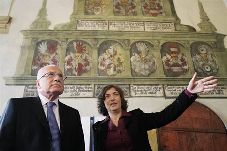 Prezident Václav Klaus slavnostně otevřel nově zrekonstruovaný Královský palác na Pražském hradě. (17. září 2009)