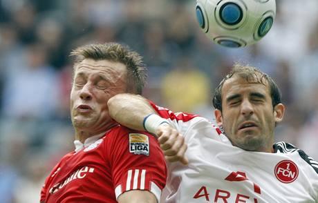 Bayern Mnichov - Norimberk ; Olič (vlevo) a Pinola