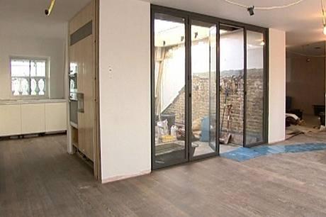 Díky spojení tří domů mohou vzniknout velké byty včetně střešních teras