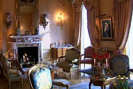 I dnes se nabízejí luxusní byty zařízené stylovým nábytkem