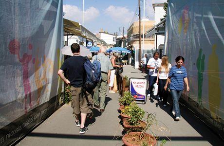 Kypr, Nikósie. Hranice rozdělené metropole – celnice na cestě z řecké do turecké části