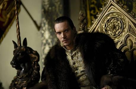 Jonathan Rhys Meyers, držitel Zlatého glóbu, ve třetí řadě seriálu Tudorovci. Ta momentálně běží na HBO.