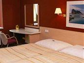 Jeden z pokojů hotelu Iberia v Opavě.