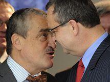 Zleva Pavel Severa, předseda TOP 09 Karel Schwarzenberg a Miroslav Kalousek 15. září na tiskové konferenci.