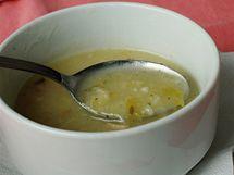 Kapustová polévka v restauraci Barracuda