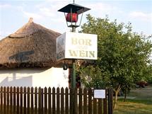 Maďarsko, jedna z mnoha prodejen vín kolem Balatonu