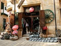 Kypr, Nikósie. V turecké části hlavního města se člověk ocitne o třicet let zpátky v minulosti