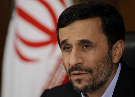 Íránský prezident Mahmúd Ahmadínežád v rozhovoru s redaktory AP (23.9.2009)