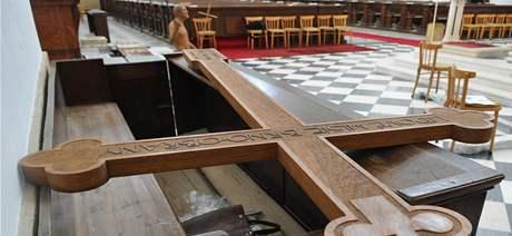Sakrální předměty a základní kameny, které v Brně požehná papež Benedikt XVI.