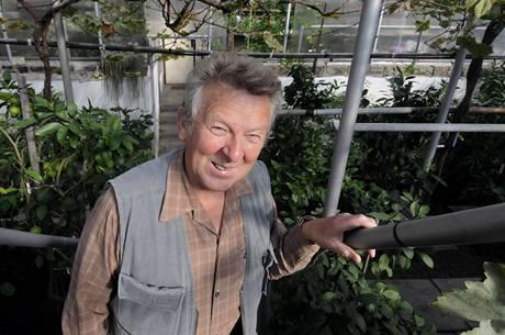 Václav Rajšl ve svém skleníku