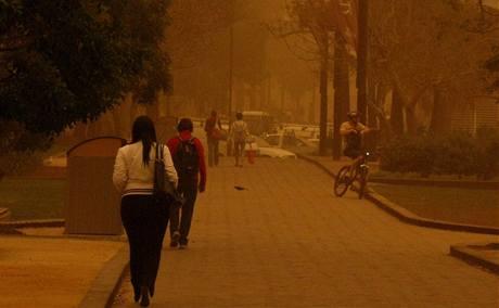Největší australské město Sydney zasáhla prašná bouře (23. září 2009)