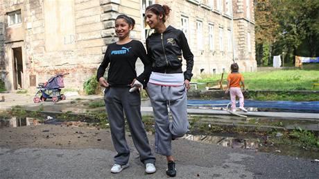Romov� v bohum�nsk�m ghettu, kam se boj� chodit po��a�ky.