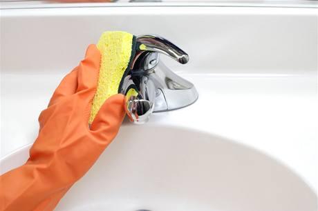 Zanešené kohoutky vyčistěte zubní pastou a vyleštěte hadříkem či houbičkou